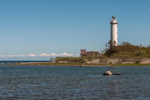 エーランド島の北にあるランゲエリックはスウェーデンの灯台です
