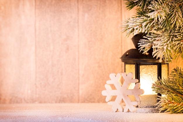 Фонарь. рождественский свет, рождественский декор и сцена.