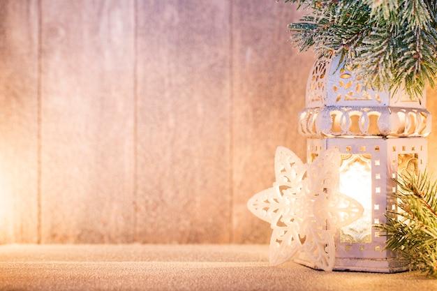 灯籠。クリスマスライト、クリスマスの装飾、シーン。
