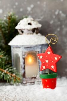 ランタンの装飾とクリスマスの星