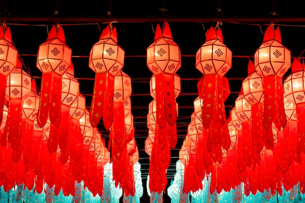 Фонари на фестивале йи-пэн, чиангмай, таиланд