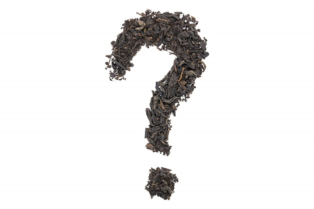 Чай лапсанг сушонг, вопросительный знак в форме, изолированные, крупным планом.