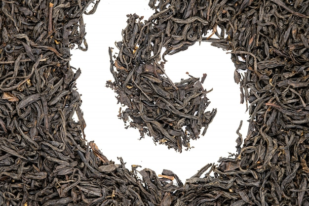 Чай лапсанг сушонг, спиральной формы, крупным планом. s