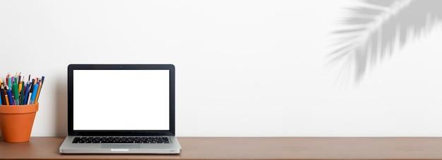 Ноутбук макет экрана фон ноутбук с пустой экран на фоне