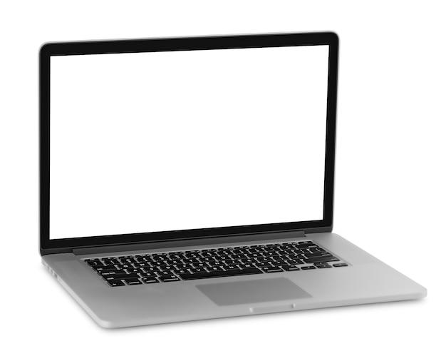画面が空白のノートパソコン。白い背景で隔離。