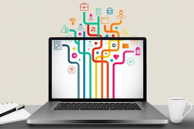 Laptop con diverse applicazioni installate