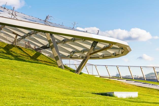 モスクワのザリャディエ公園にある大型円形劇場 Premium写真
