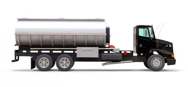 磨かれた金属のトレーラーと大型の黒いトラックタンカー