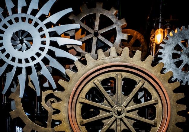 Большие зубчатые колеса в моторе