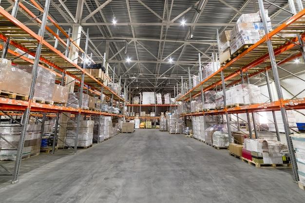 Large hangar warehouse industrial and logistics companies Premium Photo