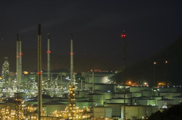 Large oil tank