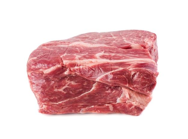 Большой кусок говядины изолирован
