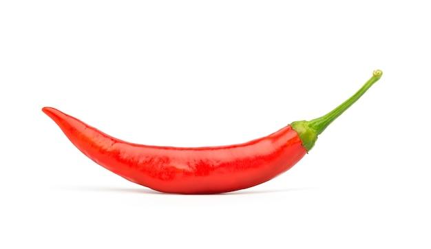 Большой перец красного chili изолированный на белизне, пути клиппирования.