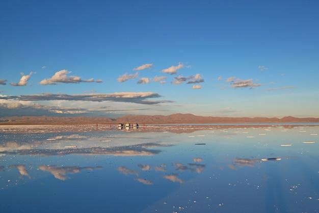 The largest mirror in the world, mirror effect on salar de uyuni salt flats, bolivia
