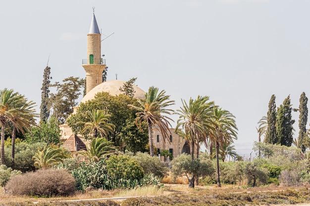Ларнака хала султан текке возле соленого озера на кипре