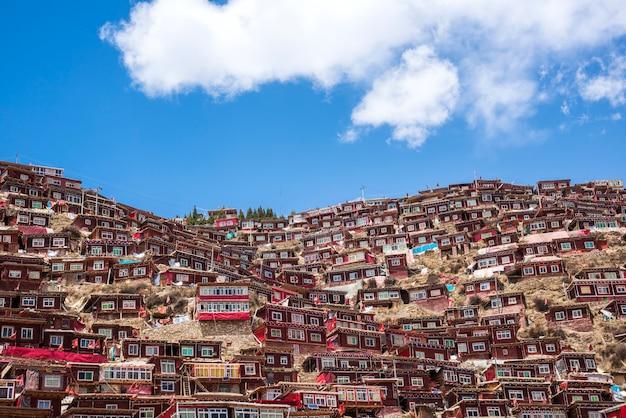 Larung gar(仏教の僧院)、シチャウン、中国