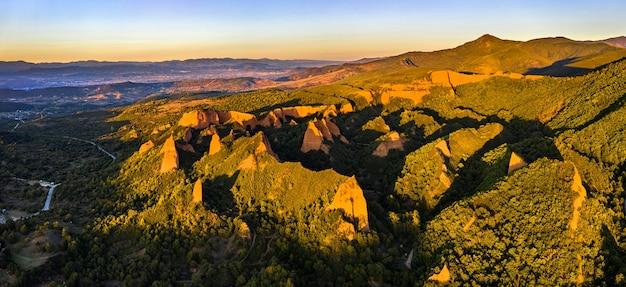 ラスメドゥラス、ローマの金採掘現場。スペイン、カスティーリャレオンのユネスコ世界遺産
