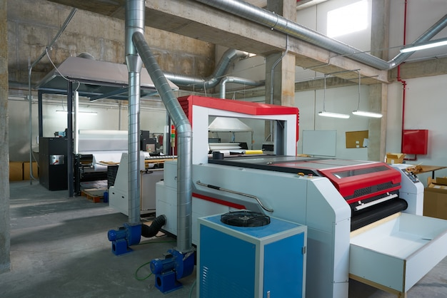 Laser cutting machine for textile transfer industry