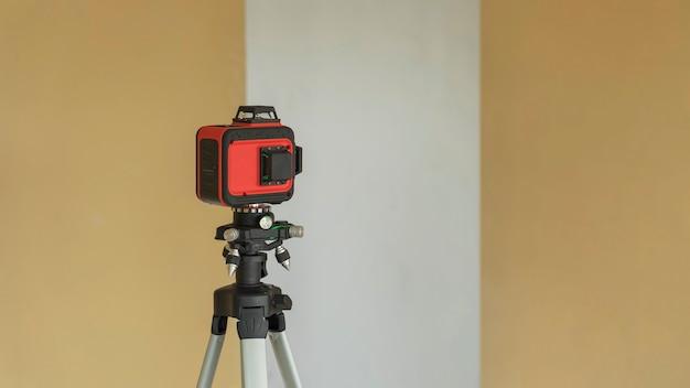 Лазерный инструмент для измерения уровня