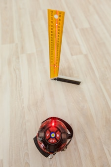 Laser level measuring tool