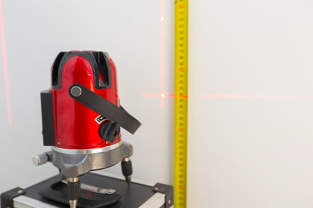 Laser level measuring tool