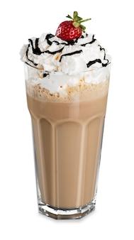 Кофе латте макиато, изолированные на белом фоне