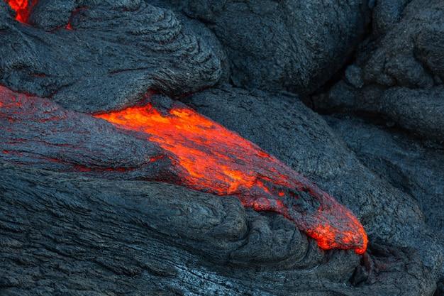 Поток лавы на большом острове, гавайи