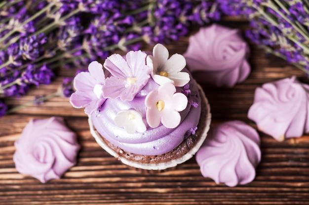 라벤더 케이크