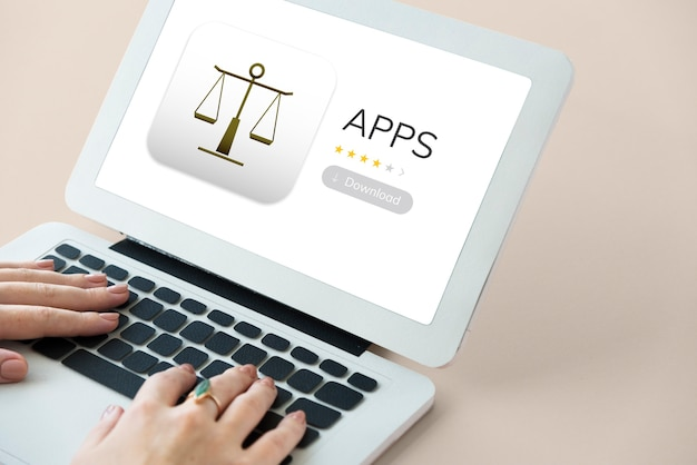 デバイス画面上の法律アプリ