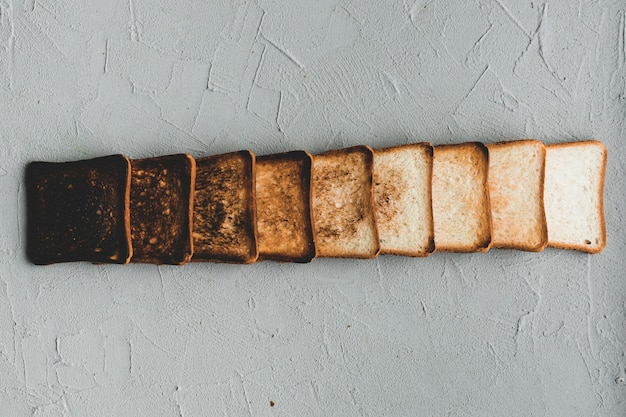 Layout of gradually burnt bread slices