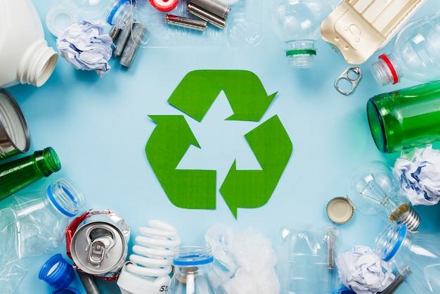 재활용을위한 분류 폐기물의 레이아웃