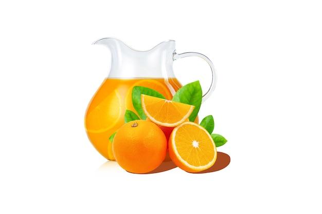 흰색 배경에 격리된 용기에 오렌지가 든 슬라이스 오렌지와 오렌지 주스가 있는 잎