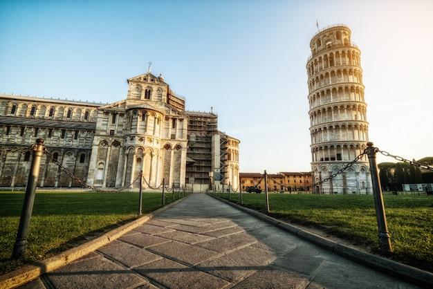 ピサの斜塔-ピサ-イタリア
