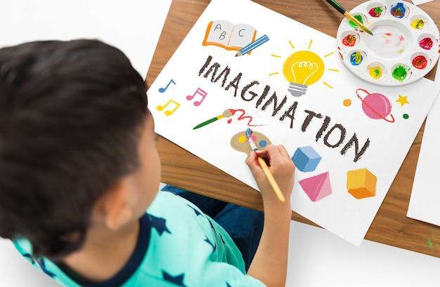 Imparare l'educazione all'immaginazione dell'infanzia divertente