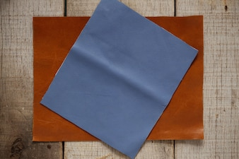 古い木製の革。