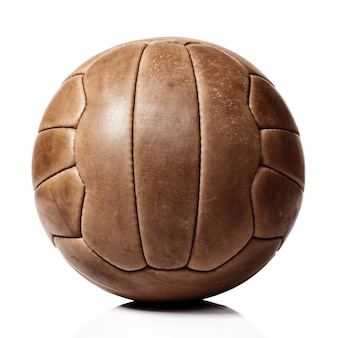 Кожаный футбольный мяч на белом
