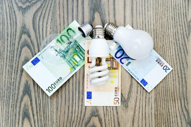 Светодиодная лампа экономит деньги