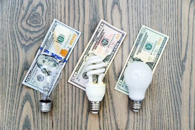Светодиодная лампа экономит деньги.