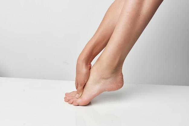 下肢痛マッサージ治療薬健康問題