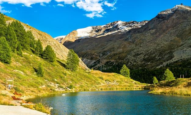 スイスのツェルマット近くのライゼー湖