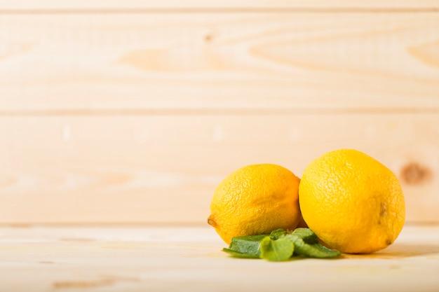 Лимонный фон с copyspace