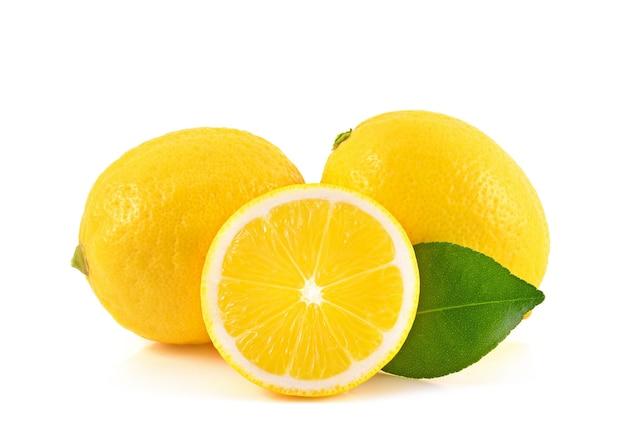 白い背景で隔離レモン