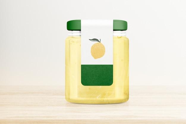 木製のテーブルの上のレモンゼリーの瓶