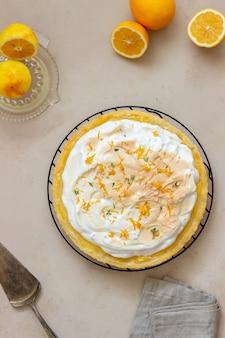 Лимонный пирог с безе. пирог. хлебобулочные изделия. десерт.