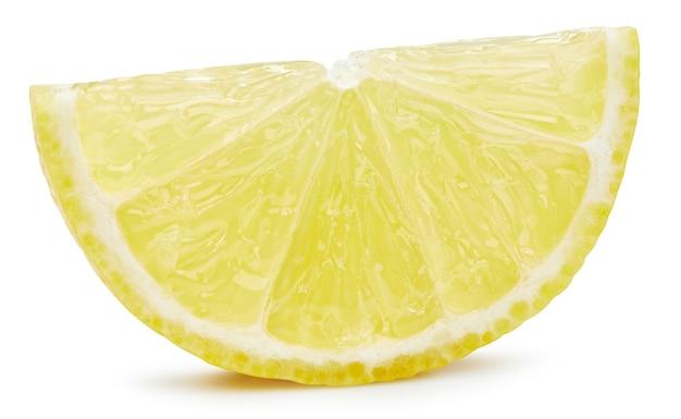 Ломтик лимона, изолированные на белом фоне. путь отсечения плодов лимона. качественная макросъемка