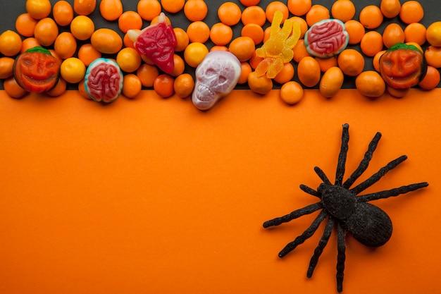 レンズ豆とハロウィーンの装飾
