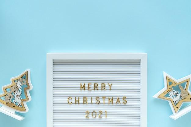 Доска для писем с поздравлением с рождеством, украшения на голубом пастельном девчачьем фоне