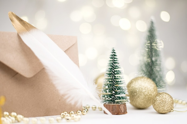 サンタクロースのクリスマス新年への手紙の封筒