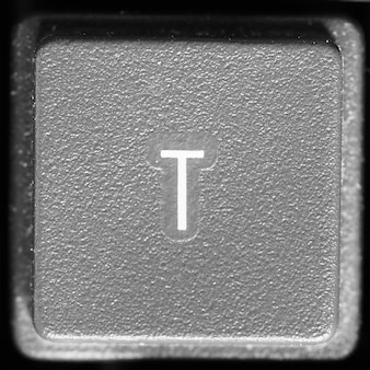 Буква t на клавиатуре компьютера