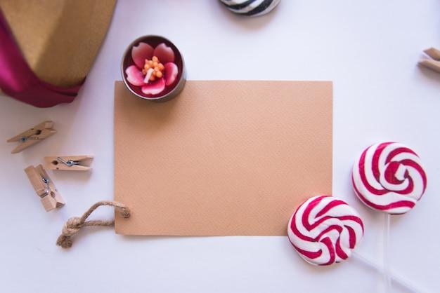 Lettera con caramelle